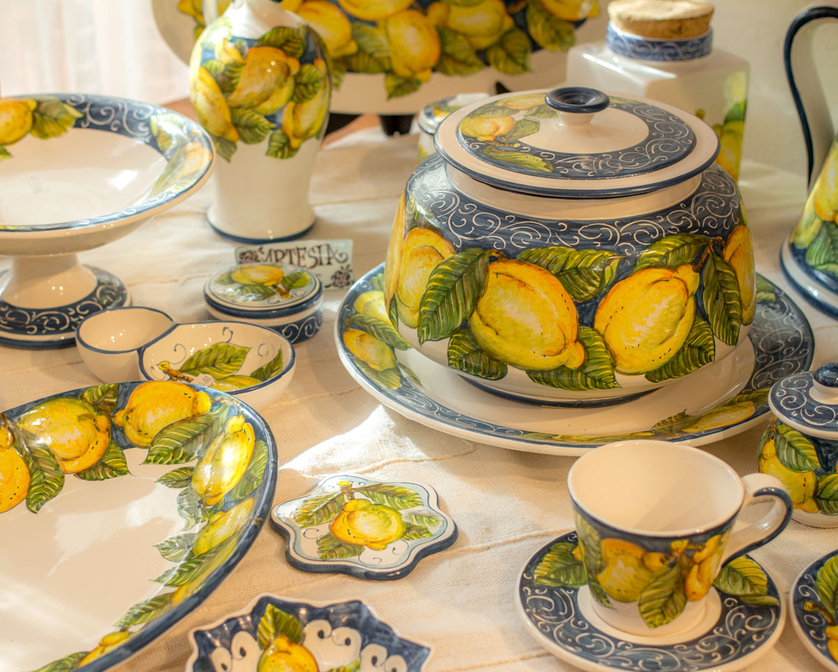 Tableware - Decoration on pottery - Tuscany -Made in Italy